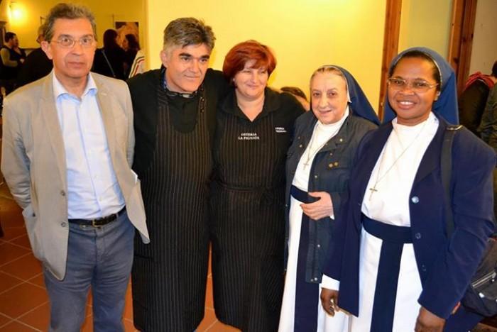 Assaggi di Territorio, Alfonso Sarno con le  Suore Figlie di Nostra Signora di Fatima
