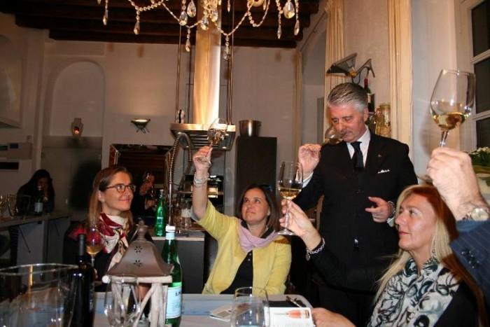 Cantine Due Palme al Kuka Loft di Milano, un momento della serata con Alessandro Scorsone
