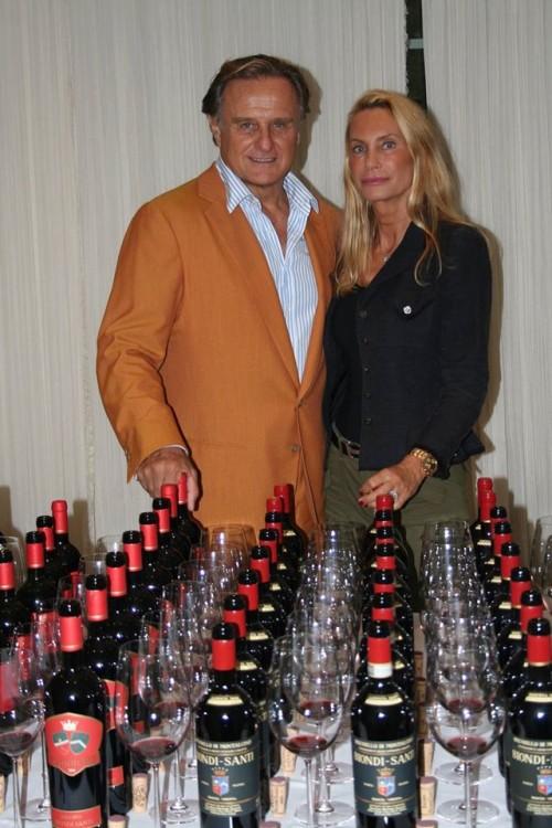 Jacopo Biondi Santi e signora con i suoi vini