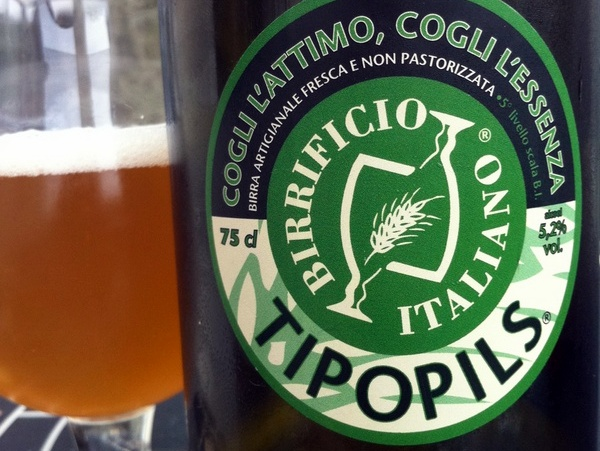 La Tipopils, la Pilsner di Birrificio Italiano (Credits to beerreviews.co.uk)