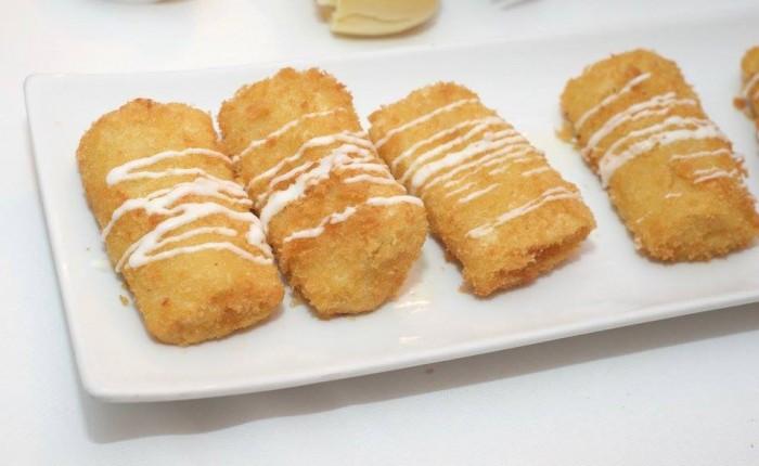 Pacchero Fritto con crema di formaggio e funghi