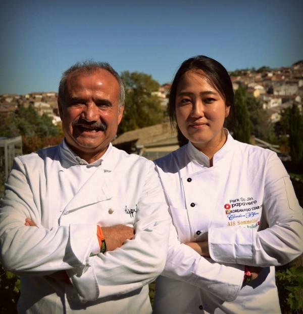 Peppe Zullo e la cuoca coreana Gina Park