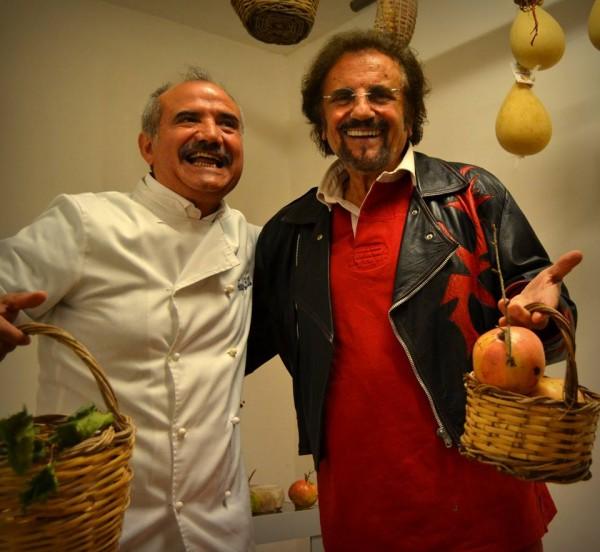 Peppe Zullo ed il cantante Tony Santagata