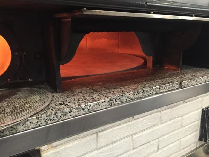 Pizza e Maccarun, il forno girevole