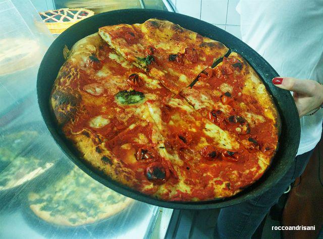 Pizza nel ruoto di ferro.