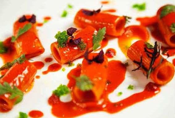 Pipero al Rex: rigatoni Rummo rossi e wasabi