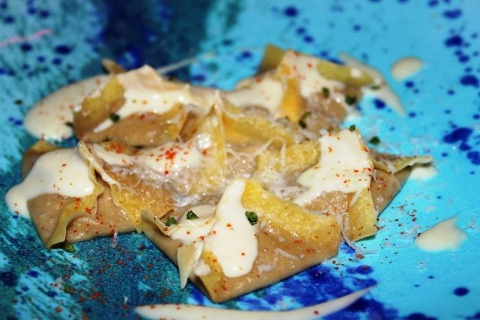 S'Apposentu di Casa Puddu, raviolini di melanzane con salsa montata al basilico