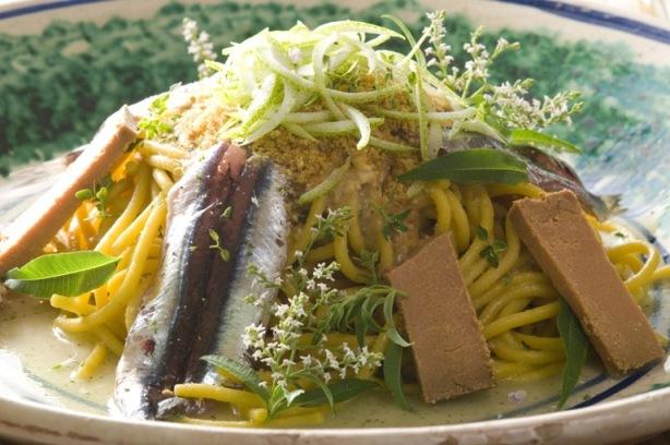 Ciccio Sultano: spaghetti Rummo in salsa moresca taratatà con bottarga di tonno e passata di carote