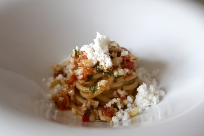 Angelo Sabatelli: spaghettoni Rummo al sugo di scorfano