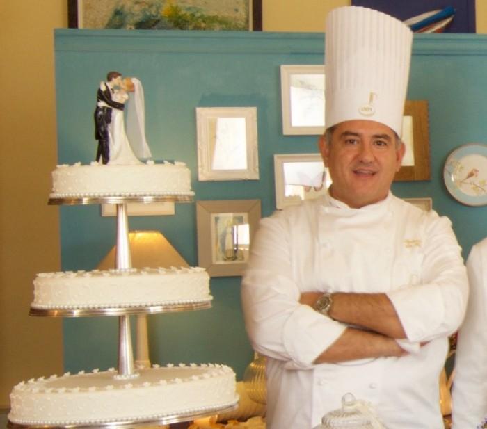 XXII Simposio dell'Accademia dei Maestri Pasticceri Italiani: medaglia d'oro a Sal De Riso per la migliore torta di nozze