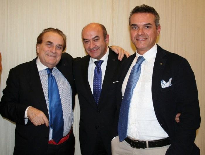 con Franco M. Ricci (a sinistra) e il prof. Marcello Mastrodonato