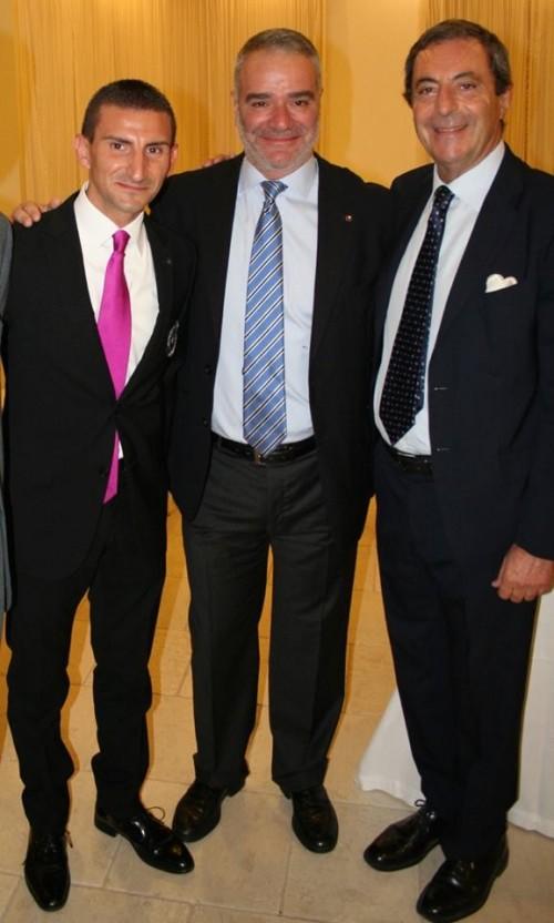 da sinistra gli impeccabili Giuseppe Cupertino e Paolo Lauciani con Attilio Romita