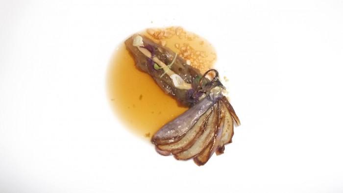 Alice Ristorante. melanzana arrostita con crema di arachidi, brodo di melanzana affumicata, melanzana fritta ed olio al sesamo e soia