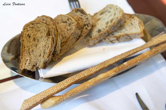 Cannavacciuolo Café & Bistrot, babà, il pane