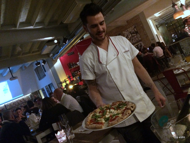 Gazometro 38.  Pier Daniele Seu Pizza La Margherita affunicata