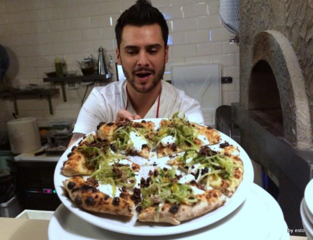 Gazometro 38.  Pier Daniele Seu Pizza  Puntarelle e burrata