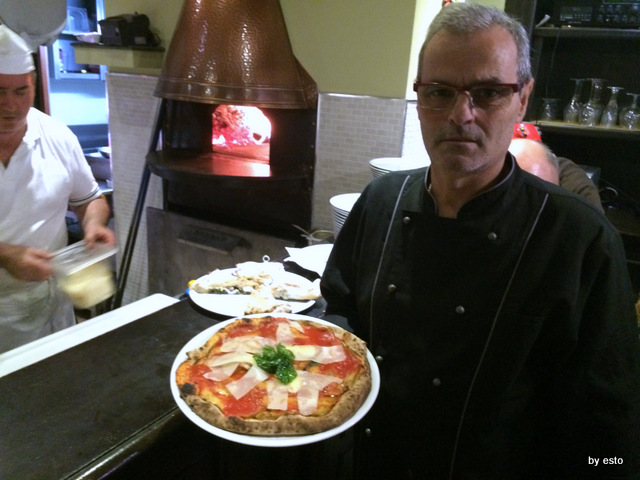 Hungry People Mimmo Molaro . Pizza Parmigiana