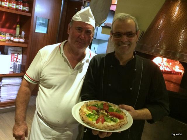Hungry People Mimmo Molaro . Pizza con pomodoro San Marzano ripieno