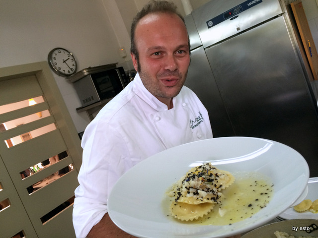 Il Moera  Francesco Fusco  Ravioli di patata e provola, baccala' e polvere di olive nere