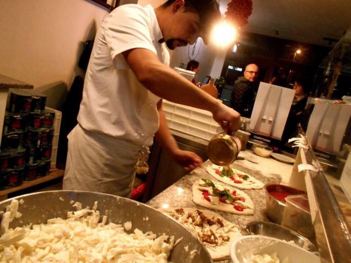 In Cantiere, il pizzaiuolo Angelo Casale