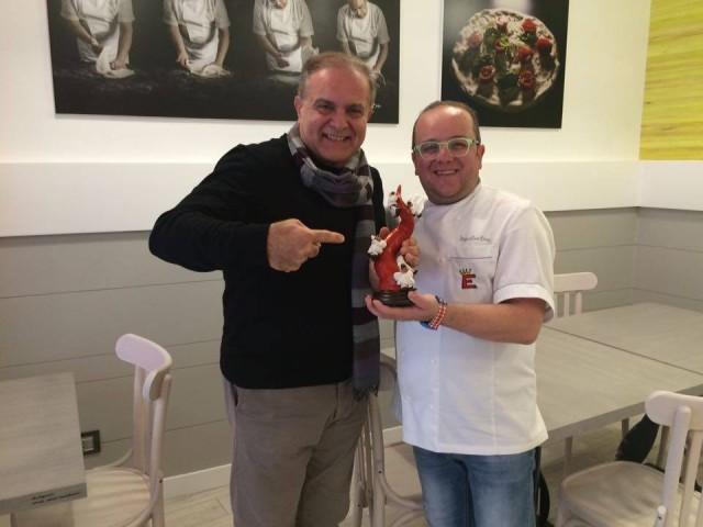 La pizzeria nuova di Pasqualino Rossi.