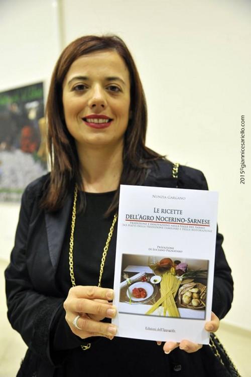 Nunzia Gargano con Le ricette dell'Agro Nocerino-Sarnese