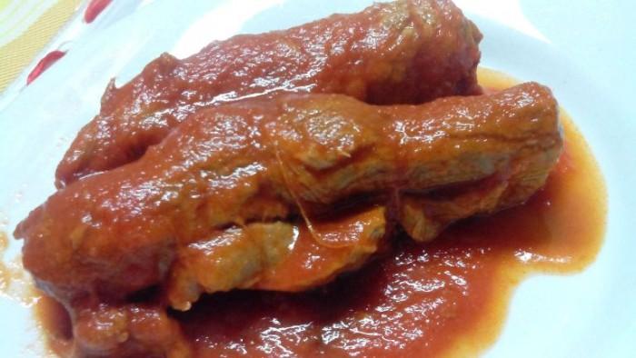 Osteria Il Cerriglio, la brasciola di cavallo al filo con prezzemolo, aglio e pecorino