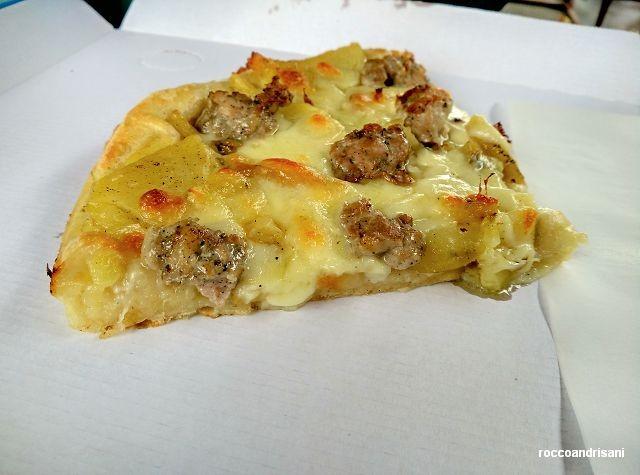 Panificio Michelangelo. Pizza salsiccia e patate