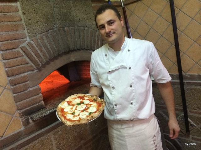 Pizzeria Antovin la margherita con mozzarella di bufala