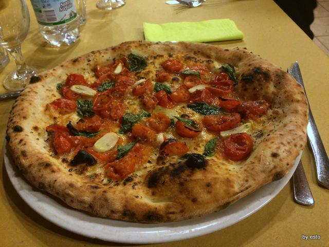 Pizzeria Verace. La Marinara con il piennolo