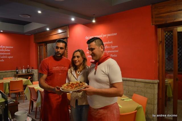 Pizzeria Verace. Salvatore Coppola e Marco Di Matola con Paola Cappuccio