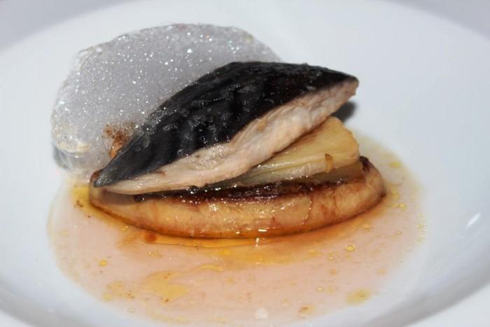 Rossellinis, foie gras con palamita, cipollotto e decotto di melannurca