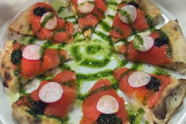 Tartina al salmone sokeye