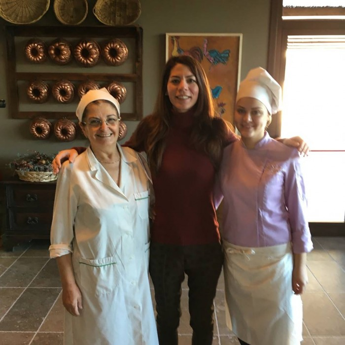 Annalisa Palmieri con Carmela Serra (a sinistra) e Serena Salerno