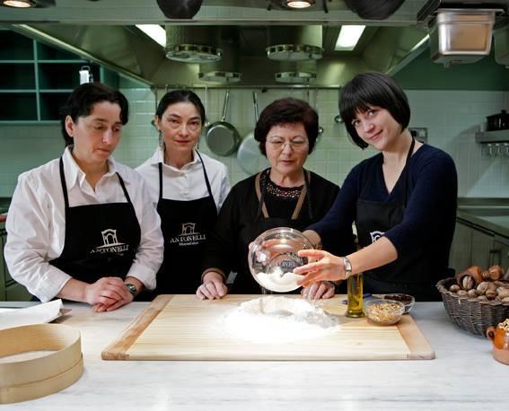 Antonelli San Marco, le docenti della scuola di cucina