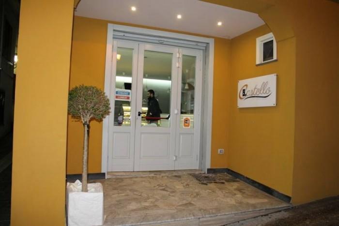 Bar Pasticceria Castello, l'ingresso