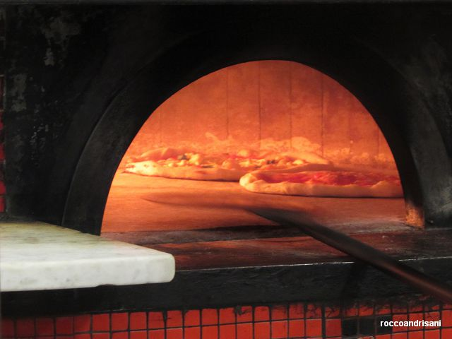 Carmnella. Pizze in cottura