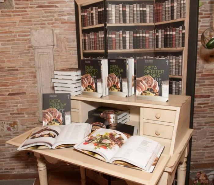 Casale dei Baroni. Il libro Dieta Mediterranea Salute e  Bontà