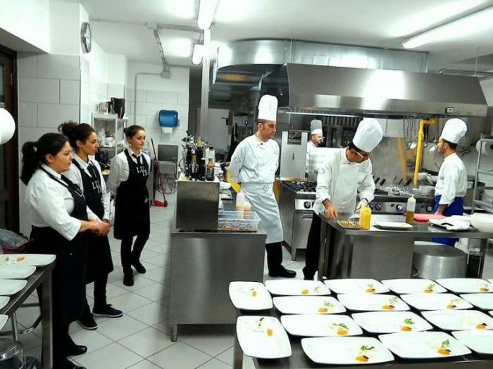 Chef in Tour, il lavoro in cucina