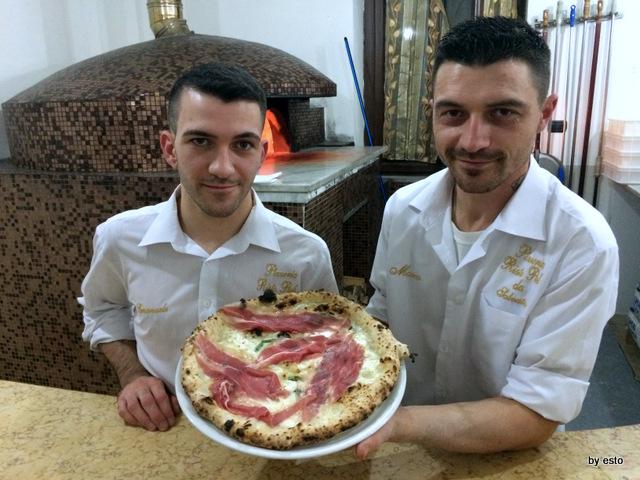 Da Salvatore. Emanuele  e Marco Marigliano Pizza Parma