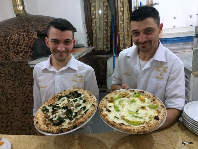 Da Salvatore. Emanuele  e Marco Marigliano Pizza Salsiccia e Friarielli Pizza Provola e Sciurilli