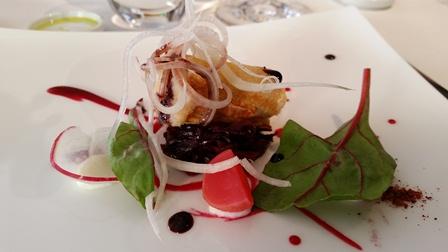 Essenza, Cannolo ripieno di baccalà mantecato, radicchio e rapa rossa