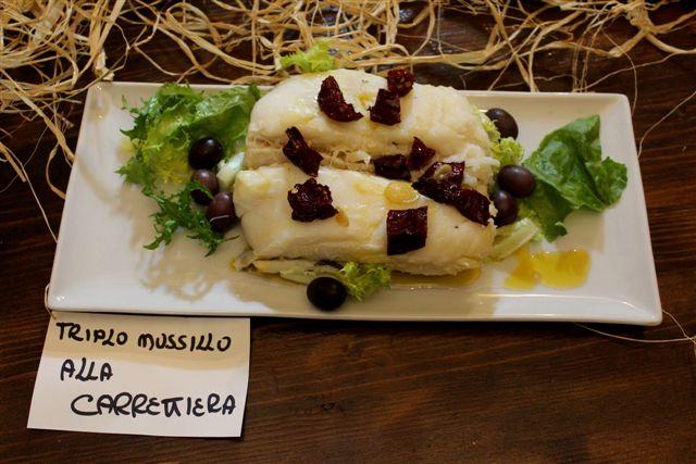 """L'Osteria del Baccalà, mussillo di baccalà alla """"carrettiera"""" con peperone crusco e olive caiazzane"""