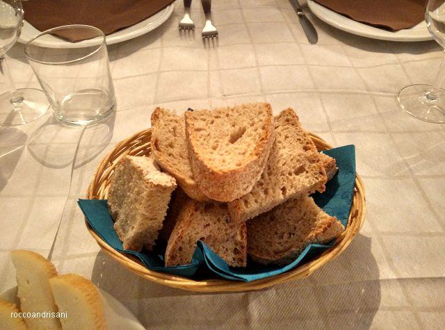 Osteria La Chitarra. Pane cafone del Panificio Santa Lucia