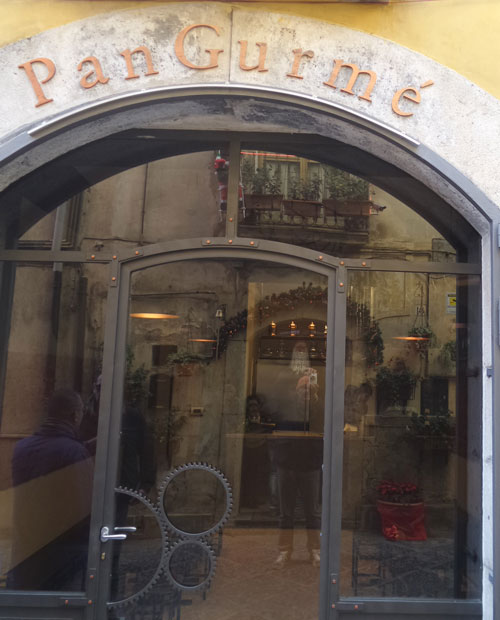 Pan Gurmè, l'ingresso