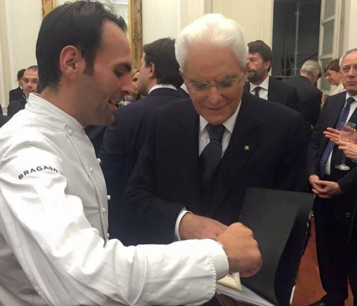 Pietro Parisi con il presidente Mattarella alla prima del San Carlo