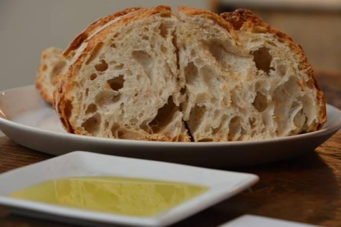 Spazio di Niko Romito, pane ed olio