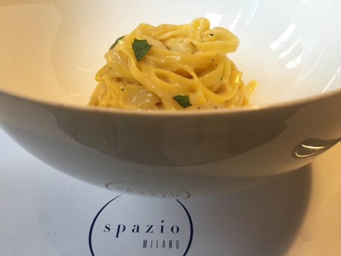 Spazio di Niko Romito, tagliatelle con Parmigiano, pepe, limone e menta