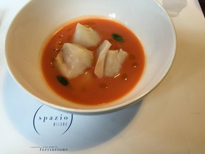 Spazio di Niko Romito, zuppa con baccalà e pomodoro speziato