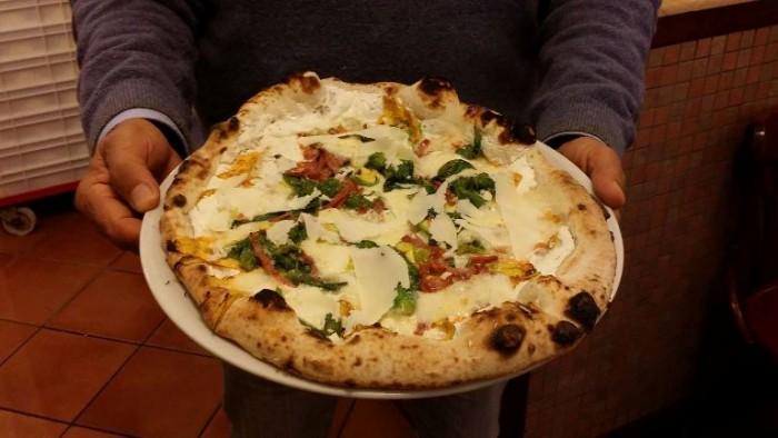 la pizza del Centenario della pizzeria Gorizia